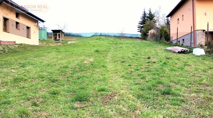 Predaj pozemok 837 m2 — Drienica