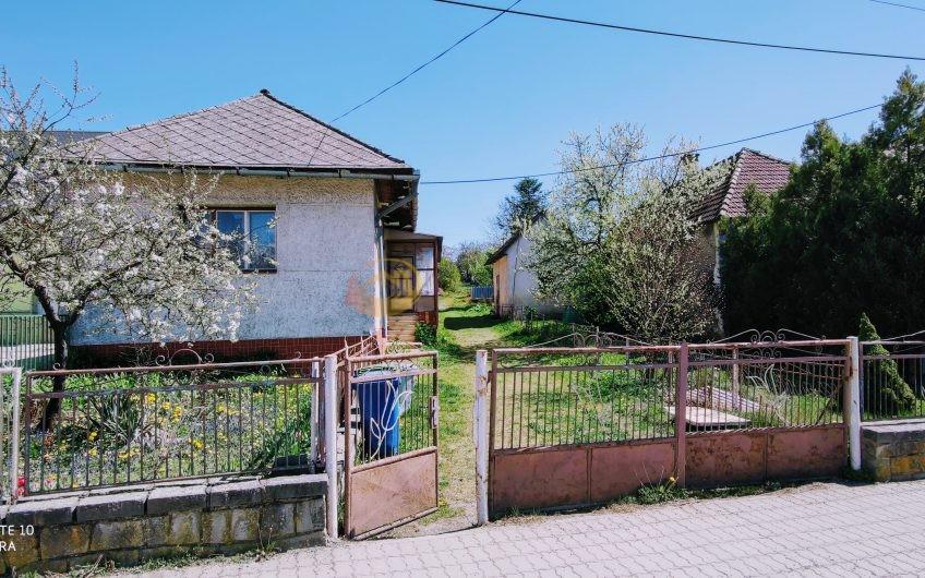 predaj – dom na rekonštrukciu — Fintice