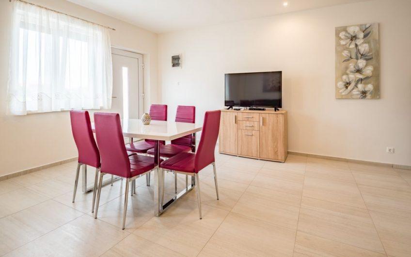 Predaj — apartmán 3 izbový Chorvátsko — NIN